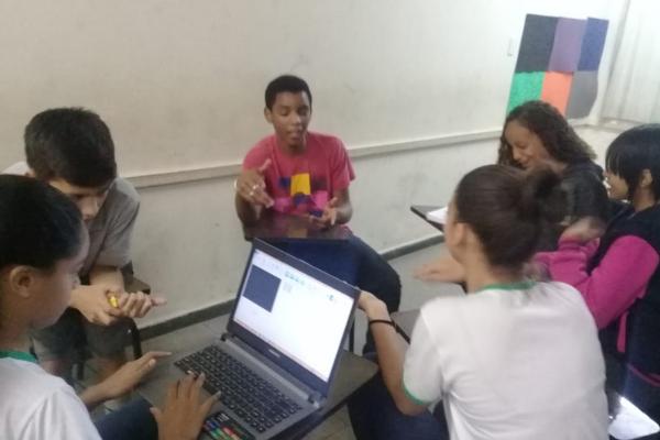 Estudantes criam canal no Youtibe para dar vazão às suas histórias