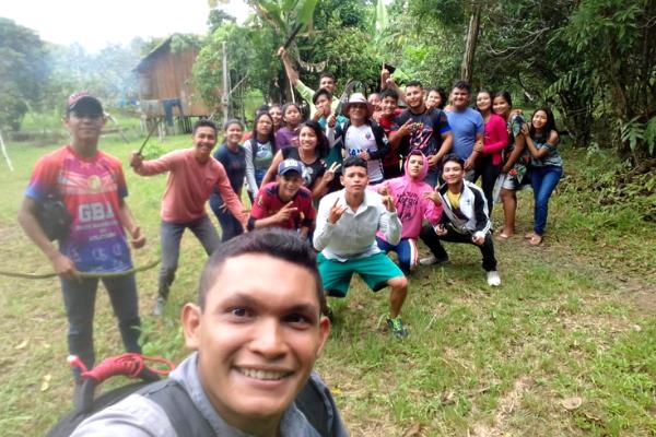 Jovens fazem da Floresta Amazônica uma grande sala de aula/ Divulgação