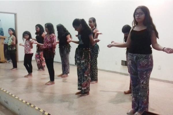 Dançando contra o bullying
