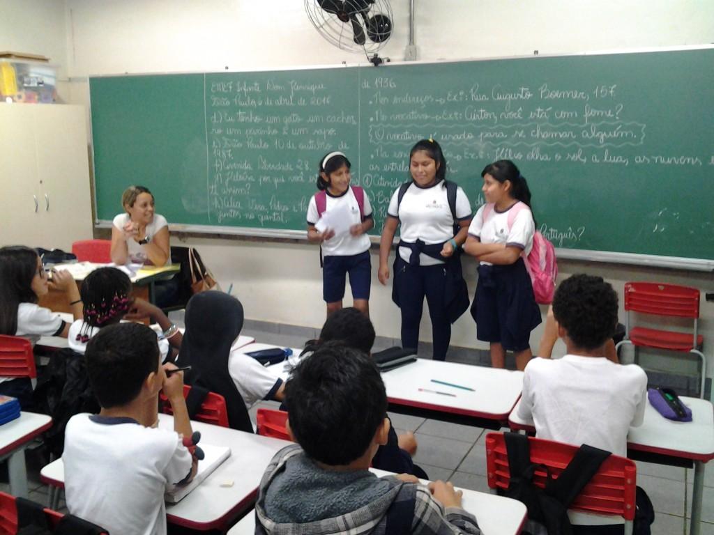 Estudantes do projeto Sí, yo te entiendo!