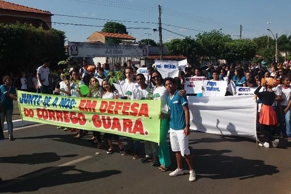 Em defesa do Córrego Guará