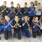 16-alunos-seguram-bambus-e-posam-para-foto