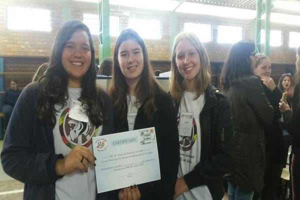 Estudantes que criaram aplicativo recebem premiação