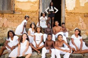 Com dança, estudantes quilombolas celebram cultura negra