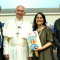 Fundadora do Design for Change, Kiran Bir Sethi faz reunião com Papa Francisco.