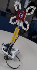 Robô criado por estudantes ajuda no combate de mosquito da dengue