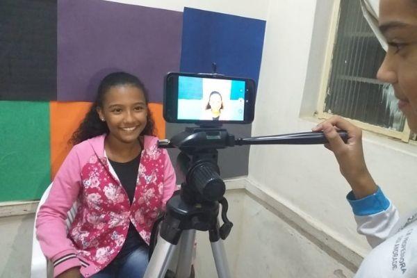 Alunos de Itabira (MG) combatem preconceitos criando canal no Youtube