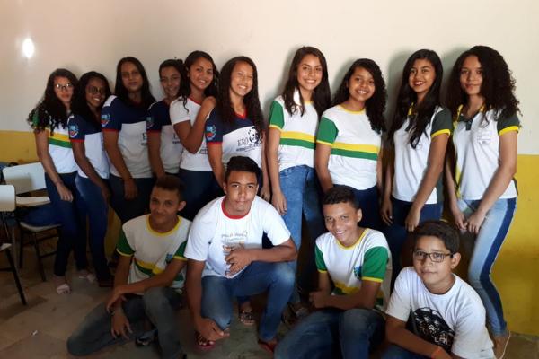 Jovens criam atividades para diminuir evasão na escola