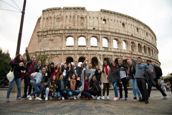 Em Roma, alunos do Brasil trocam experiências em conferência global