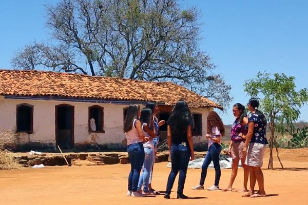 Jovens preservam patrimônio negro da Bahia ouvindo a comunidade