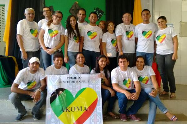 Projeto Sentindo na Pele, finalista do Desafio Criativos da Escola 2017