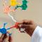 A pandemia e uma educação básica que incentive o olhar científico