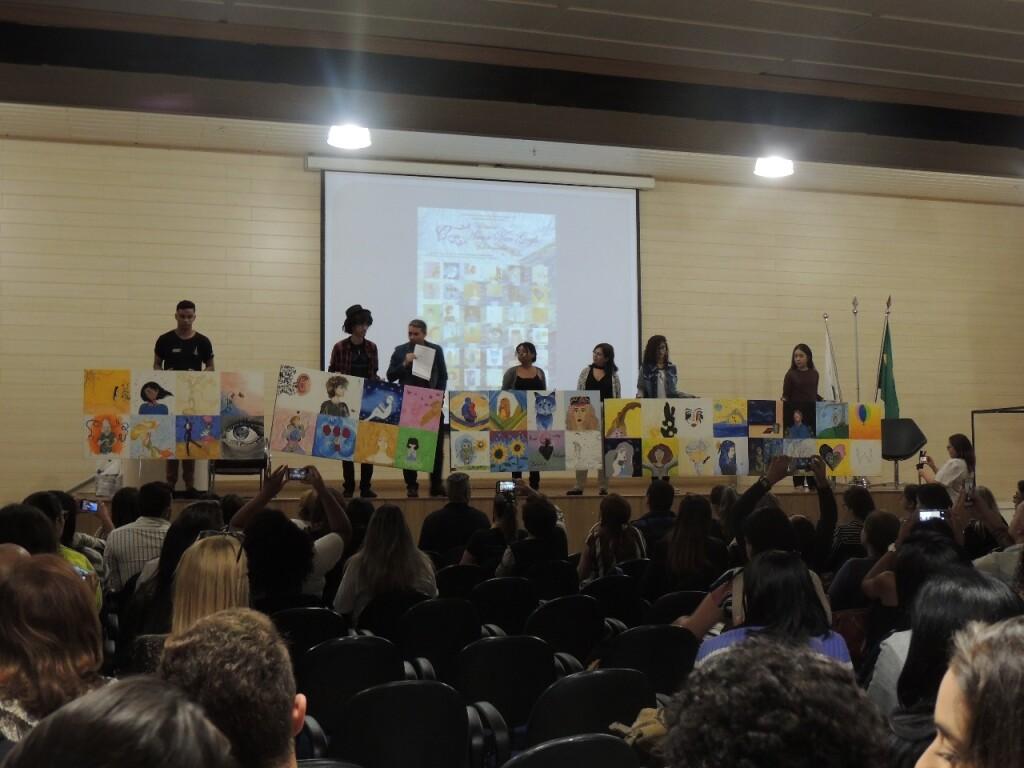 Estudantes do projeto GEDS - Gerando Amor