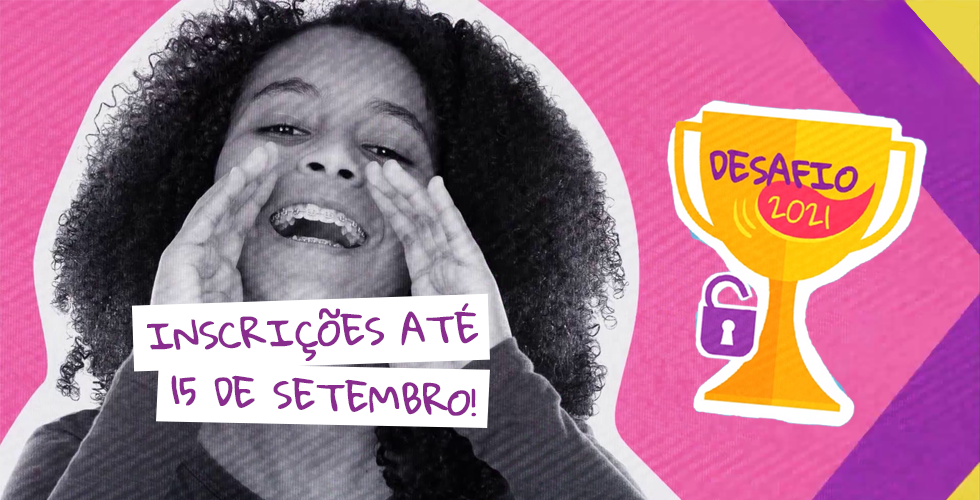 Arte com fundo rosa claro e uma foto em tons de cinza em que uma jovem negra faz gesto de como quem grita. Ela usa aparelhos e sorri. Da sua boca sai o texto